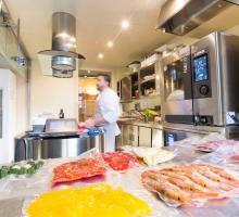A vákuumcsomagolás után jöhet a főzés (LAINOX Naboo)